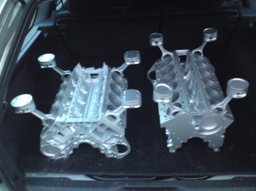 V8 Motortisch & V12 Motortisch